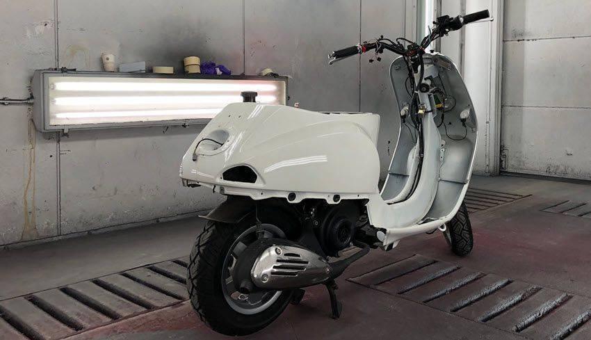 vepsa-scooter-laten-spuiten