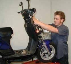 snelheidsbegrenzer_scooter_inbouwen