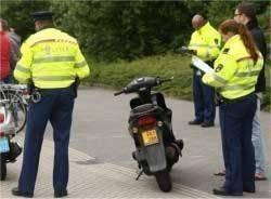 boete zonder rijbewijs rijden scooter